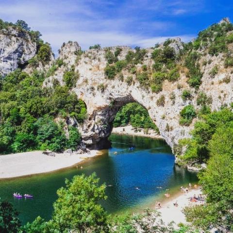 La Source Ardèche - le Pont D'Arc à proximité