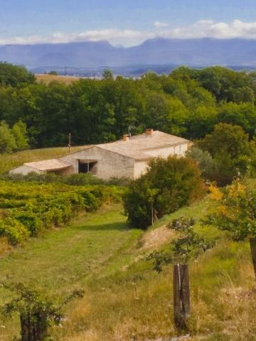 La Source Ardèche vue sur la vallée du Rhône en direction de La Drôme