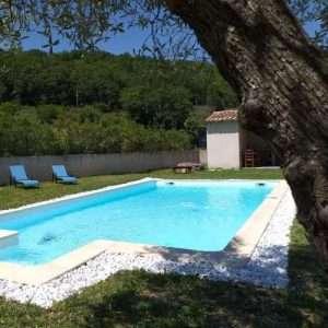 La piscine de l'eau sallée à La Source chambres d'hôtes en Ardéche